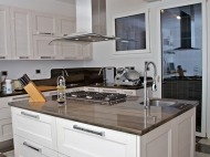 Top Cucina e Pavimentazione – Casa Privata – Bologna
