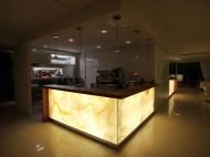 Bancone Onice Retroilluminato – Hotel In – Medjugorje – Bosnia ed Erzegovina
